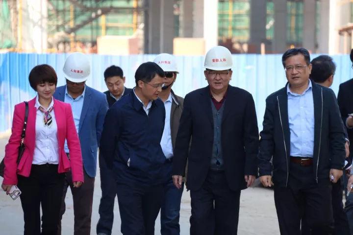 合肥市招商局莅临人和产业城 产业聚集再塑发展优势