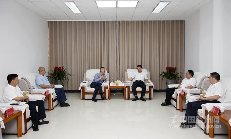 上海麦金地集团客商来滕考察